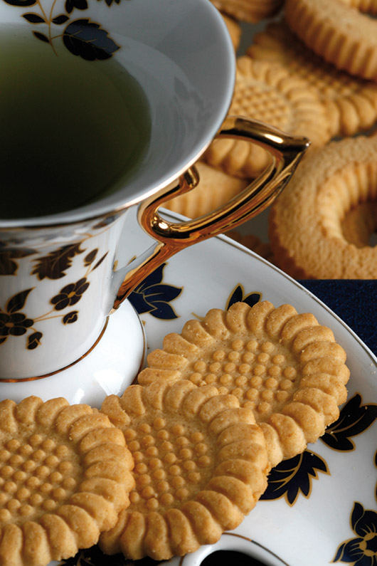 tea-with-cookies-1322163